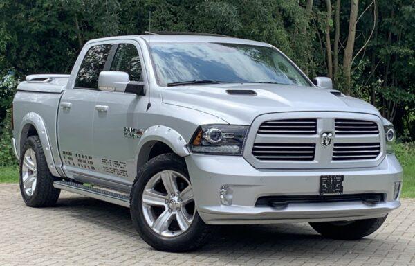 Dodge RAM 1500 4X4 5.7 HEMI